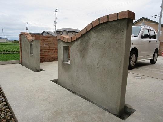 T様現場 曲線の塗り壁門柱