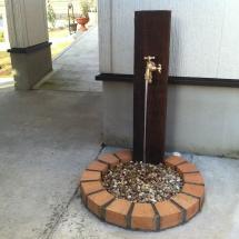 レンガの水道栓